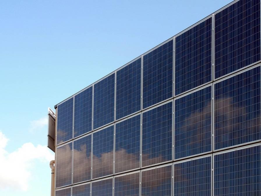 solar-cells-solar-energy-photovoltaic-2590968